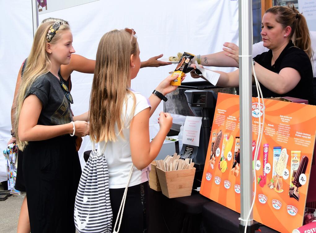Polárka, zmrzlina, děti, Olympijský festival Praha  (5)