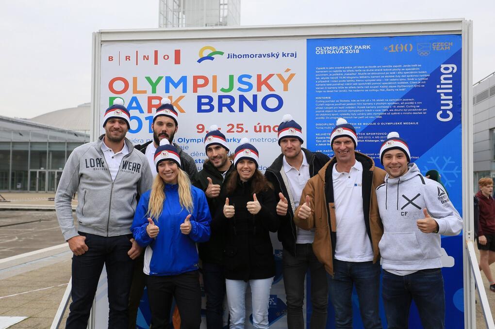 Olympionici navštívili dějiště brněnského Olympijského parku