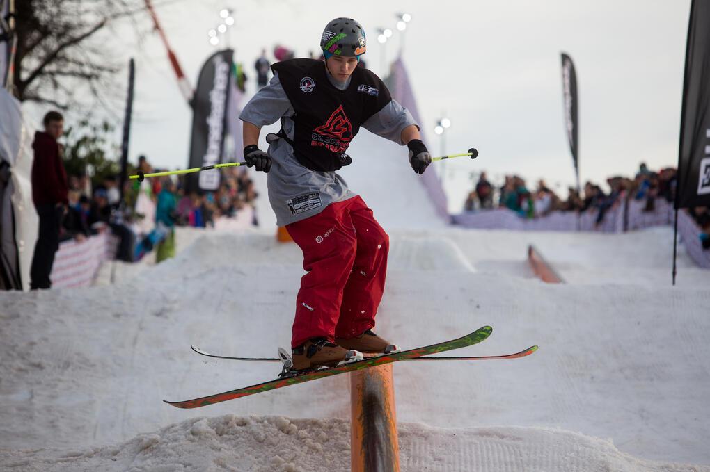 akrobatické lyžování
